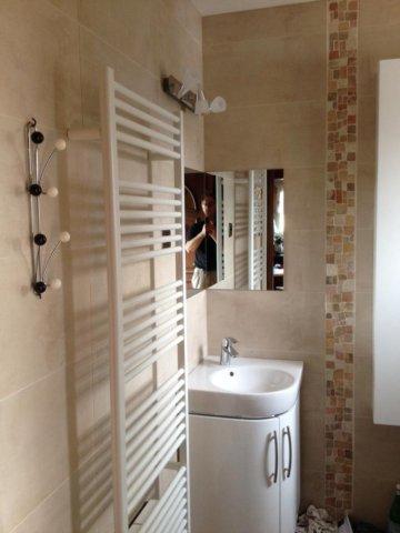Plombier Strasbourg spécialisé dans l'installation de sèche serviette en salle de bain